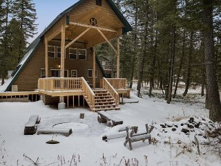 Kabino Heaven! Seclusion! ATV Trails! Fish or Sled! Free WiFi! 5 Stars...