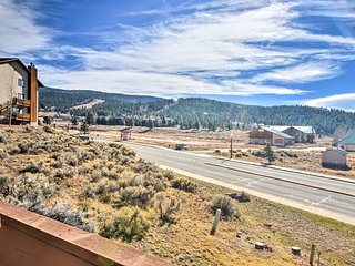 New! 1BR Condo - 1/3 Mile to Angel Fire Ski Lifts!