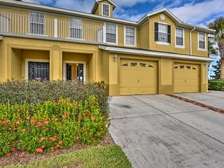 NEW! 3BR Kissimmee Townhouse - 15 Mins to Disney!