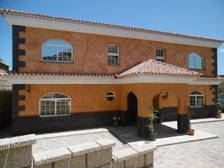 Villa Farola