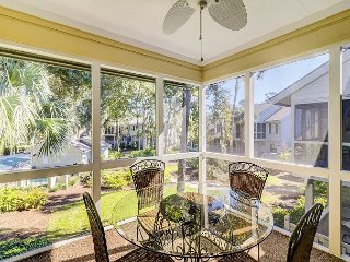 2BR w/ Screened Porch, Saltwater Pool & Hot Tub – 1 Mile to Beach