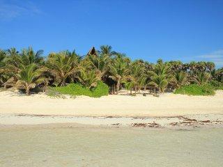 Casa Nalum - Luxury Beachfront Villa