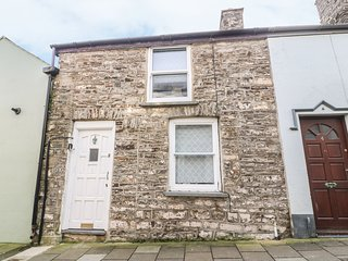 2 VULCAN STREET, open plan, amenities walking distance, woodburning stove, Ref 9