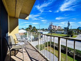 Villas of Clearwater Beach 8B Spacious Beach Condo Steps to the Beach with Pool