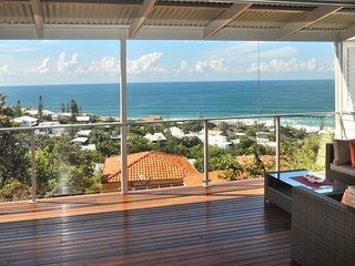 'KARALEE', Enterprise Street - ocean views and bordering the Noosa National Park