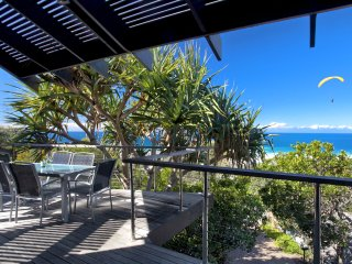 SWEEPING OCEAN VIEWS - 63 Seaview Terrace, Sunshine Beach