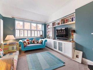 Veeve - Norfolk Mansions