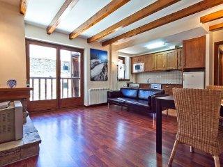 Valencia de Aneu nice apartment.