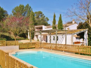 CB456 - Spacious Catalan country house - perfect for large groups