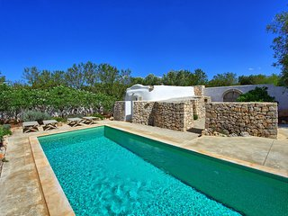 2 bedroom Villa in San Michele Salentino, Apulia, Italy : ref 5240086