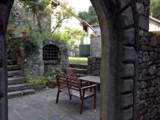 Casa in borgo antico , Toscana