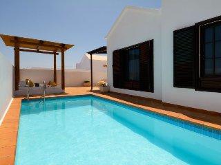 2 bedroom Villa in Puerto del Carmen, Canary Islands, Spain : ref 5083276