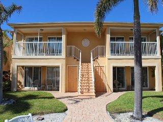 Beautiful Waterfront Hideaway for You to Relax! Sparkling Pool Upgraded Unit.