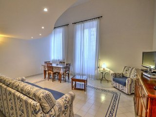 Sorrento Apartment Sleeps 2 with Air Con - 5228621