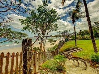 Casa Playa Bonita - Luxurious 5 bedroom Beachfront Home