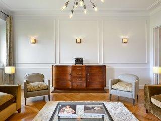 Palais Nouveau - Beautiful 2 Bedroom Apartment in 17th Century Palais Royal