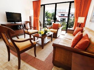 Luxury Condo near Beach w/ WiFi, Resort Pool, Kids Club, Gym & Water Sports