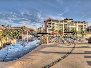 Sirena del Mar - One Bedroom Deluxe Suite - WR