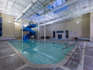 Family-Friendly Suite w/ Free WiFi, Indoor Water Slides, Pool & Hot Tubs