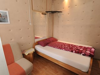 Deluxe Room 11 (With bathroom)