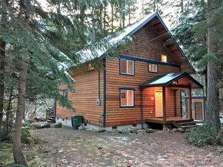 CR100nCityofGlacier - Glacier Springs Cabin #45 - A Cozy Family Cabin!