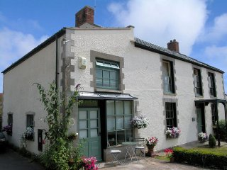 TEACH Cottage in Glastonbury