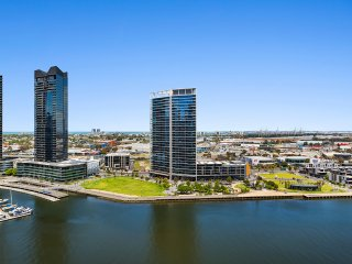 Mins to Mel CBD | Water View Brand New 2Bed APT