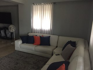 Apartamento de Lujo Vacacional Ave 27 Febrero -Evaristo Morales
