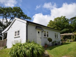 32154 Log Cabin in Bude