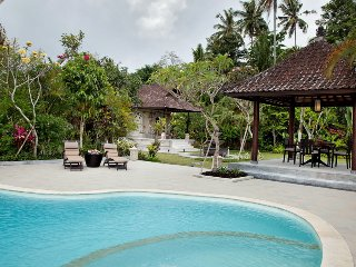 3 Bedroom Villa Traditional Style Near Ubud;