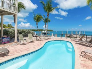 LUXURY OCEAN FRONT w/PRIVATE ELEVATOR/BOAT DOCK