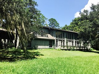Relax in Paradise:  Your Tallahassee Retreat