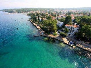 Apartment Slavica 1 - 50 m from the sea