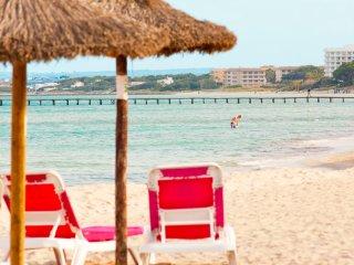 CORA :) Bonita casa junto al mar para 6 personas en Puerto de Alcudia. AC y WiFi