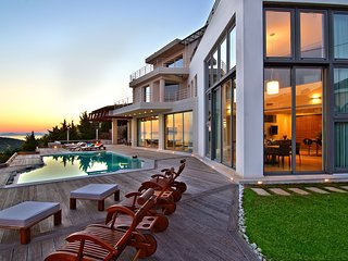 Villa TakeOff, with Private Pool and Magnificent View