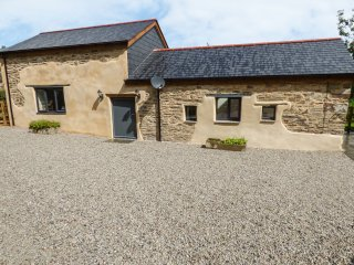 ANNIE'S COTTAGE, pet-friendly, open-plan, WiFi, Bodmin, ref 953204