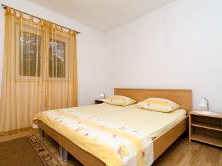 Double room (5) in beautiful Polače