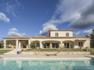 JDV Holidays, Villa St Cyrille, L'Isle sur la Sorgue, Provence