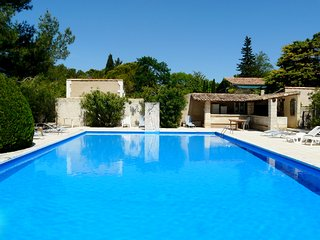 LS1-194 GRANADIE, Lovely rental near the center of the village, in Mouries