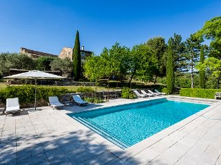 Oppedette Villa Sleeps 12 with Pool and WiFi - 5822321