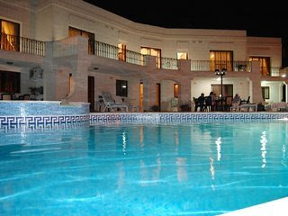 Villa Desiderata 2  A/C  bedrooms, WiFI, Swimming pool , peaceful location, vakantiewoning in eiland Malta