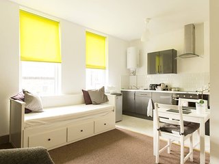 Hideaway Apartment - Gloucester City Centre