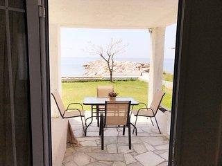 R131 Seaside apartment in Skioni.