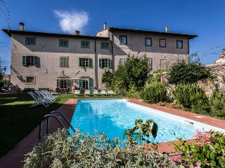 15 bedroom Villa in Cevoli, Tuscany, Italy : ref 5697115
