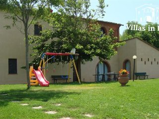 5 bedroom Villa in Palaia, Tuscany, Italy : ref 5484449