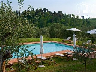 2 bedroom Apartment in Florence, Tuscany, Italy : ref 5484276