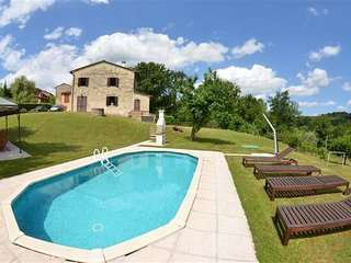 4 bedroom Villa in Lucca, Tuscany, Italy : ref 5484094