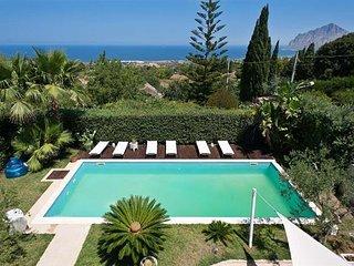 3 bedroom Villa in Tonnara di Bonagia, Sicily, Italy : ref 5484078