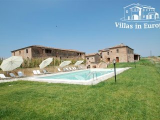 6 bedroom Villa in Siena, Tuscany, Italy : ref 5483983