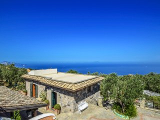 Sant'Agata sui Due Golfi Villa Sleeps 12 with Pool and Air Con - 5481293